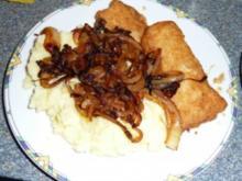 Backfisch mit Kartoffelbrei und Röstzwiebeln - Rezept