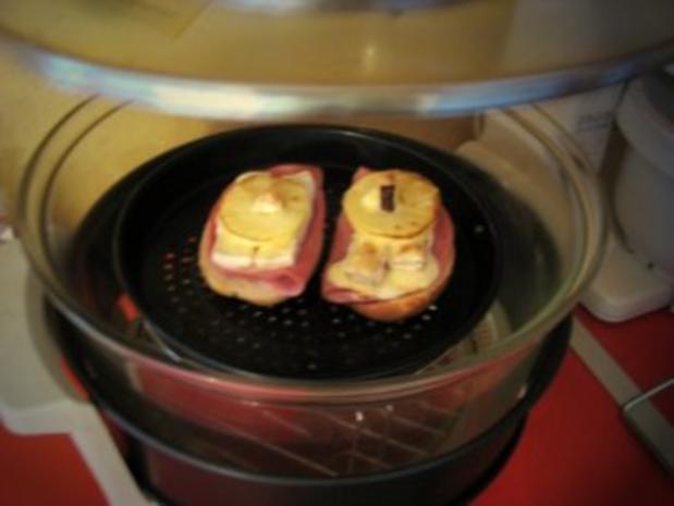 Frühstücksbrötchen mit Camembert überbacken - Rezept - Bild Nr. 2