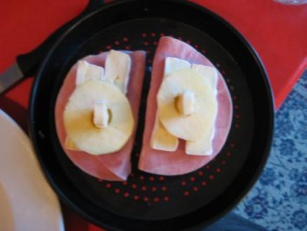 Frühstücksbrötchen mit Camembert überbacken - Rezept - Bild Nr. 3