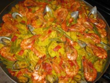 Rezept: Paella mixta (mit Fleisch und Meeresfrüchten)