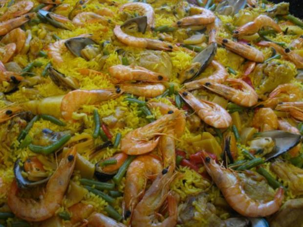 Paella mixta (mit Fleisch und Meeresfrüchten) - Rezept - Bild Nr. 4