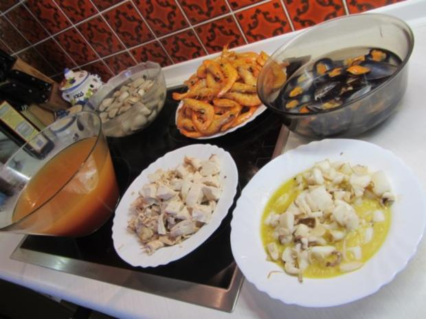 Paella mixta (mit Fleisch und Meeresfrüchten) - Rezept - Bild Nr. 3