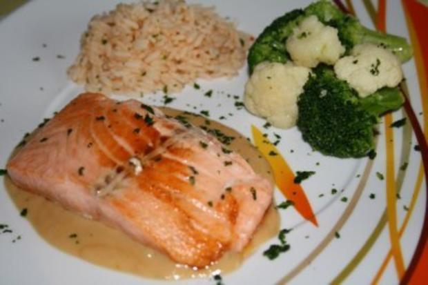 Fischschnitten mit Sambal-Oelek-Reis an Erdnusssauce - Rezept