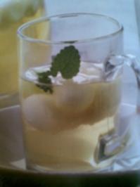 Spritzige Melonen - Bowle - Rezept