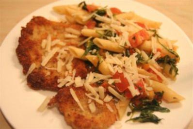 Rezept: Schnitzel Milanese mit Rucola-Tomaten-Knoblauch Farfalle