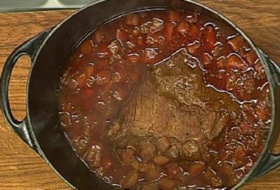 Geschmorter Kalbstafelspitz mit Meerrettich-Stampfkartoffeln und Vichy-Karotten - Rezept