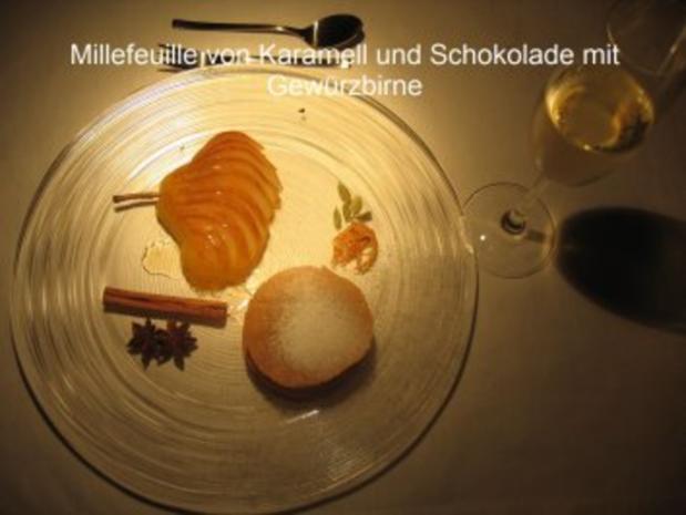 Kochduellrezept 3: lauwarmer Ziegenkäse mit Senf-Rosmarinkruste, Lammlachse mit Kartoffelwaffel und Bohnenbündel, Millefeuille von Karamell und Schokolade mit Gewürzbirne - Rezept - Bild Nr. 3