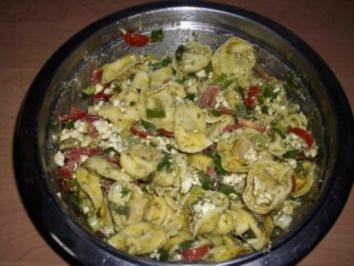 Rezept: Bunter Tortellini - Salat