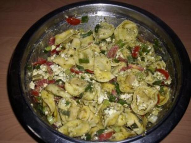 Bunter Tortellini - Salat - Rezept