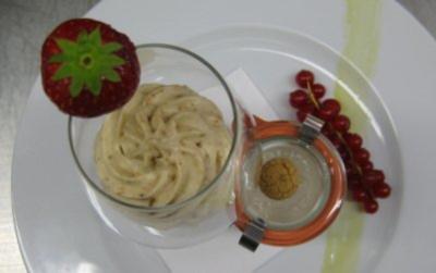 Mascarponecreme mit Grappa und Amaretini an Ricottacreme mit Kaffee - Rezept