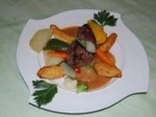 Straußensteak auf mediteranem Gemüse mit Dauphinekartoffeln - Rezept