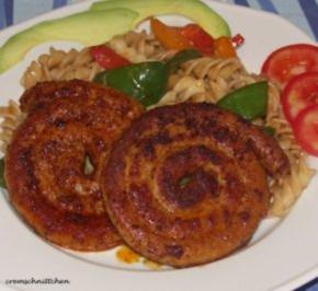Paprikanudeln mit Bratwurstschnecken - Rezept - Bild Nr. 2