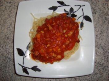 Nudelgerichte: Anti-Vampir-Spaghetti ala Nando - Rezept