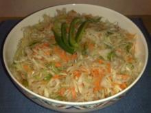 Krautsalat mit Möhren und Paprika - Rezept