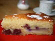 Buttermilchkuchen mit Birnen und Sauerkirschen - Rezept