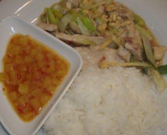 Huhn aus dem Wok mit Ananassauce - Rezept