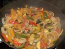 Hähnchenbrust im Gemüsebett  und knackigem Salat - Rezept