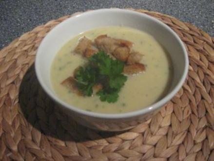 Kartoffel-Pastinaken Crémesuppe mit Croutons - Rezept