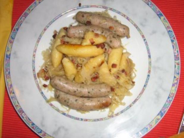 Schupfnudeln mit Speck, Nürnbergerle und Sauerkraut - Rezept