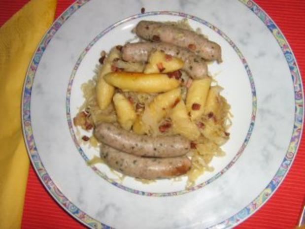Schupfnudeln mit Speck, Nürnbergerle und Sauerkraut - Rezept - Bild Nr. 7