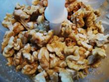 Marzipan-Mohn-Walnuß-Makronen - Rezept