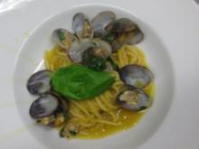 Dünne Spaghetti mit Kichererbsensoße und Venusmuscheln - Rezept