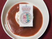 Prinzen-Törtchen aus zweierlei Creme auf einem Erdbeer-Chili-Spiegel (Prinz M. Michael) - Rezept