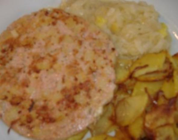 Pfälzer Saumagen mit Sauerkraut unf Bratkartoffeln - Rezept