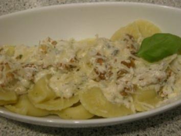 Rezept: Gorgonzola gefüllte Ravioli mit Walnüssen