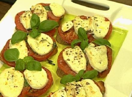 Ciabatta mit Mozzarella und Basilikum-Pesto - Rezept