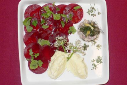 Tatar von Forellen mit gestampftem Kartoffelkäse und roten Rüben - Rezept