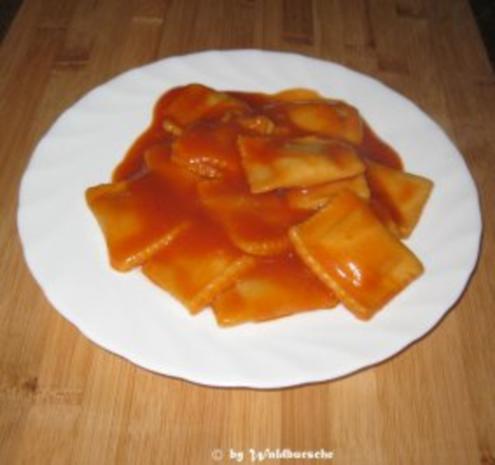 Ravioli in Tomatensoße - Rezept