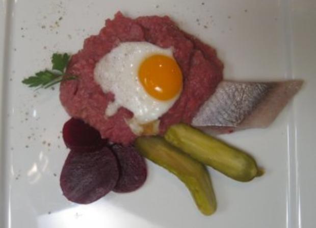 Original Hamburger Labskaus mit Spiegelei von der Wachtel - Rezept
