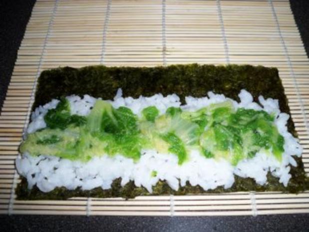 Sushi mit Chinakohl und Räucherlachs - Rezept - Bild Nr. 4
