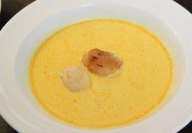 Kokos-Curry-Suppe mit gebratener Jakobsmuschel - Rezept