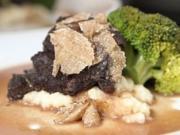Kalbsbäckchen mit Selleriepüree, Brokkoli und Trüffel - Rezept