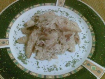 Rezept: Schupfnudeln mit Sauerkraut und Kasslerwürfel