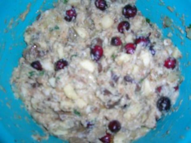 Gefüllte aber ENTBEINTE Ente mit Maronen ud Cranberries - schmeckt auch kalt sehr lecker mit entsprechender Beilage - Rezept - Bild Nr. 10
