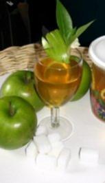 """Rezept: Pom, Pom, Pom, Apfelsaft mit ....... (In Französisch ein Apfel ist eine """"Pomme"""")."""