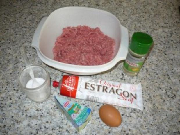 Faschierte Laibchen mit Gorgonzola-Füllung und Gemüsereis - Rezept