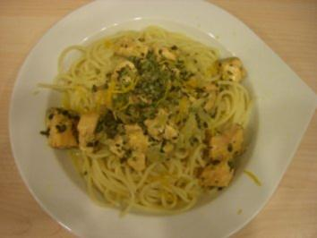 Lachs-Pasta mit Orangen-Thymian-Sauce - Rezept