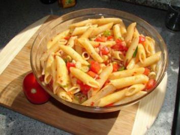 Salate:  Scharfer Nudelsalat - Rezept