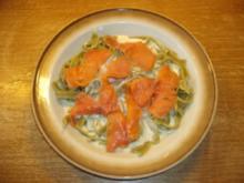 Geräucherter Wildlachs mit grünen Nudeln in Käse-Sahne Soße - Rezept