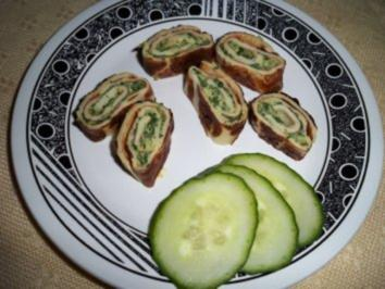 Gefüllte Pfannkuchenröllchen mit Spinat und Käse - Rezept