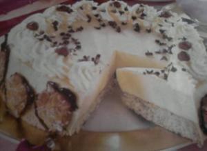 Eierlikör-Mousse-Torte - Rezept