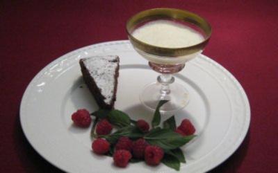 Sabayonne mit Himbeercoulis auf Schokotarte - Rezept