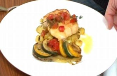 Rotbarsch in Zitronenbutter mit gewürfelten Kartoffeln und Gemüseschiffchen - Rezept