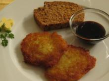 Typisch Bergisch - Kartoffelküchlein an Brot mit Rübenkraut - Rezept