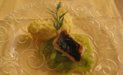 Dorade in Zitronenbutter an geschmorten Gurken und Prinzessinnenkartoffeln - Rezept