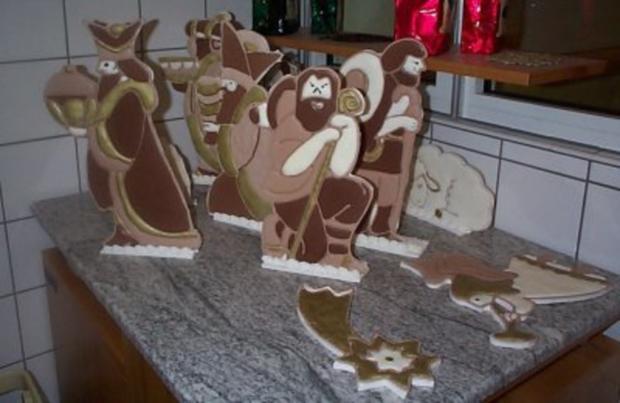 Weihnachtskrippe aus Lebkuchen  und Zucker hergestellt - Rezept - Bild Nr. 3